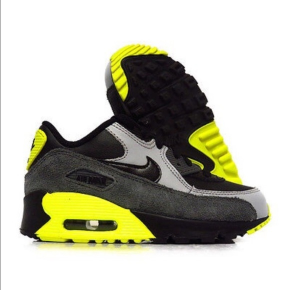 purchase cheap 81d20 be935 Nike Air Max 90 Volt Sneakers